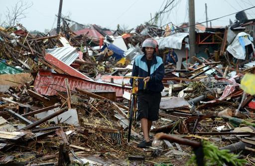 Yolanda-Noel-Celis-AFP-News-haiyan